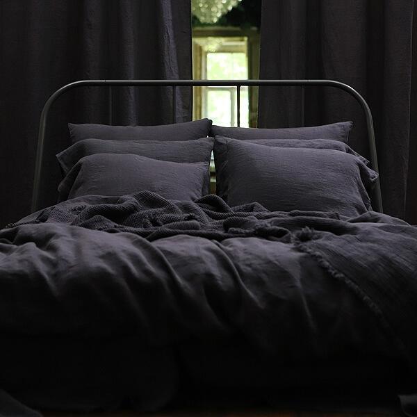 Ein üppiges Boudoir - Schlafzimmer mit Leinen