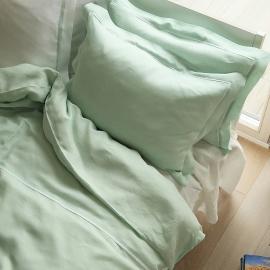 Set aus mint Bettwäsche mit weiß Paspelierung aus Leinen