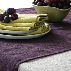 Lara Tablecloth Cream and Runner Aubergine